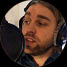 Votre acteur vocal masculin au code FR-M-1494, est prêt à vous aider avec votre commande Français d'enregistrement voix off audiotel.