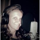 Onze professionele vrouwelijke stemacteur NL-F-0459, staat klaar om u te helpen met Nederlands voice-over. Voice-over voor professionele IVR telefoonoplossingen.